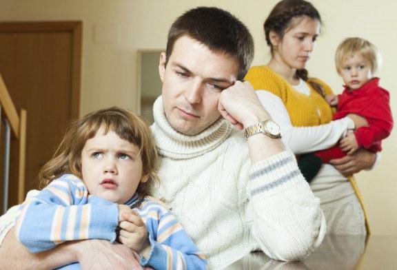 چگونه مشکلات خانوادگی را حل کنیم: ۴ راه حل مشکلات خانوادگی